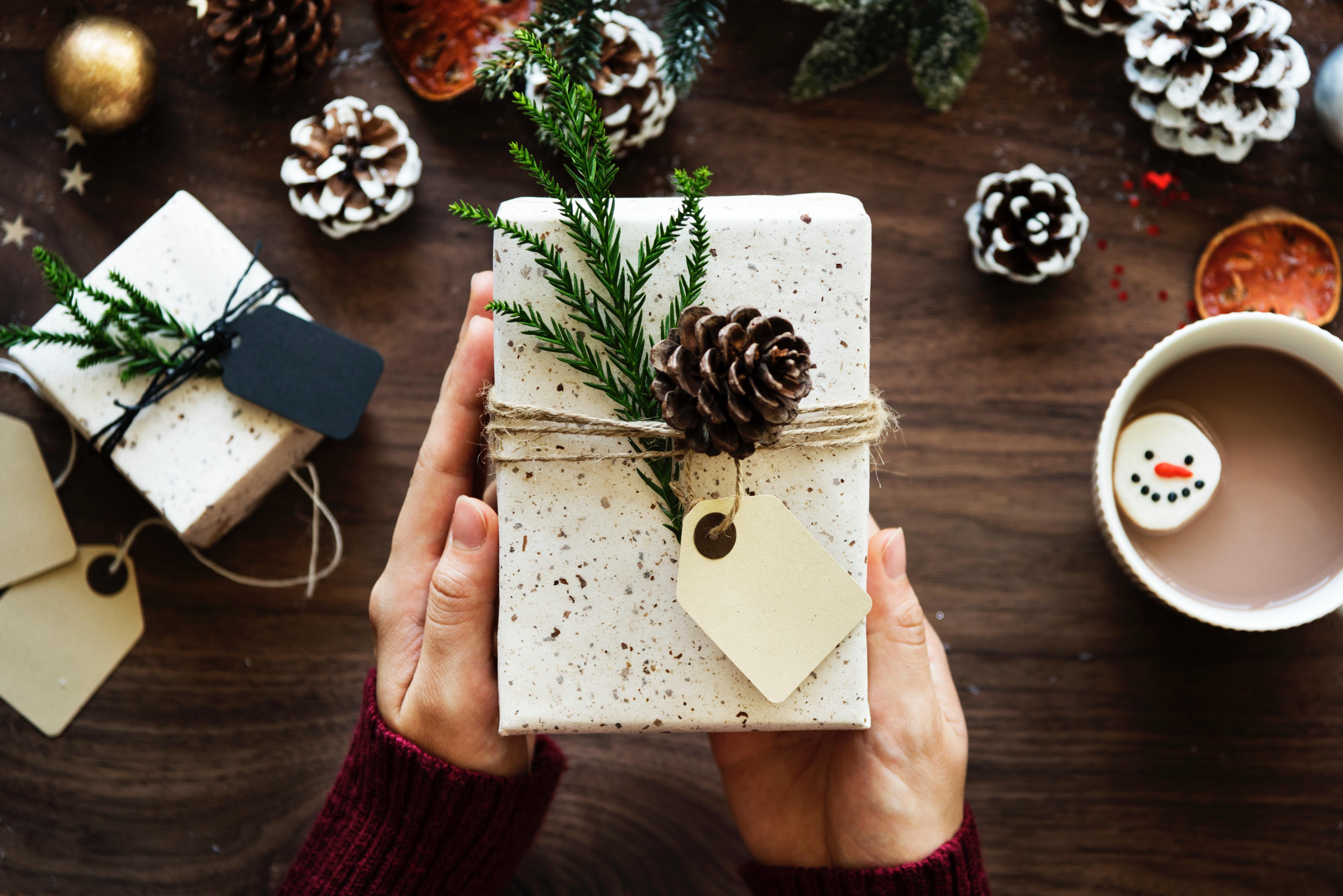 Setting a Christmas budget